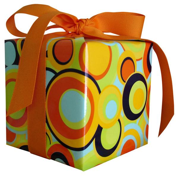 Dovanos darbe: ką dovanoti kolegoms ir ką vadovui?