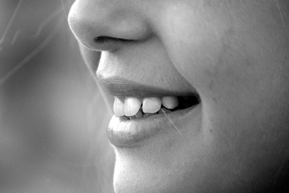 Dovana sau – spindinti šypsena