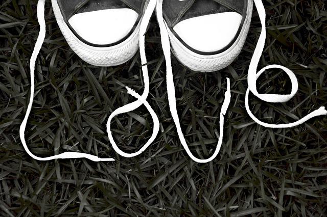 Asmeninis treneris pataria, kaip susikrauti sportinį krepšį: ko prireiks kiekvienoje treniruotėje?