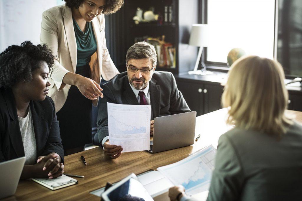 Pažangi klientų valdymo sistema