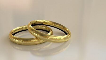 Kaip patiems susikurti vestuvinių žiedų dizainą?